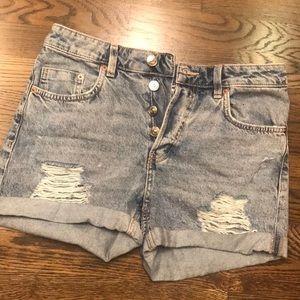 H&M High Waisted Button up Denim Shorts 🔥